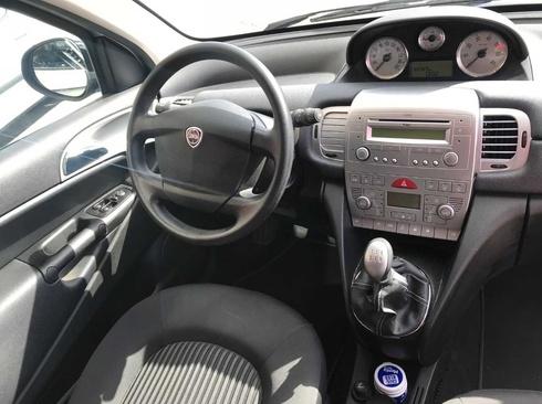 Lancia Ypsilon 1.2 8v 69cv Oro E5 3p.